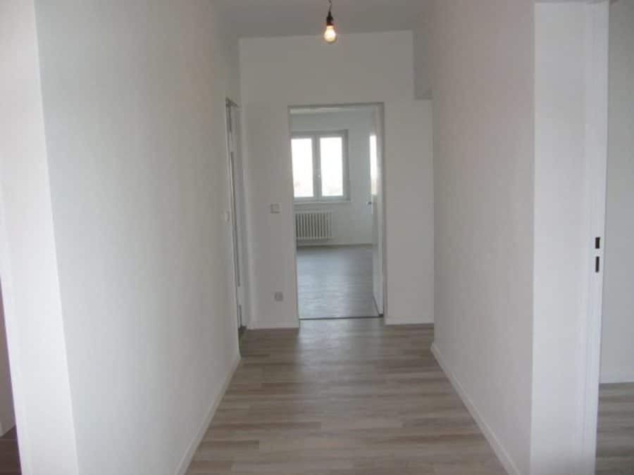 Wie neu - komplett instandgesetzte 4-Zimmer-Wohnung im grünen Berlin-Waidmannslust! - 2. Flurbereich