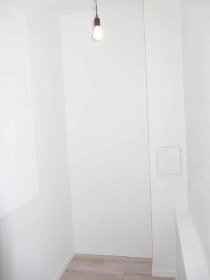Wie neu - komplett instandgesetzte 4-Zimmer-Wohnung im grünen Berlin-Waidmannslust! - kleiner Stauraum im Flur