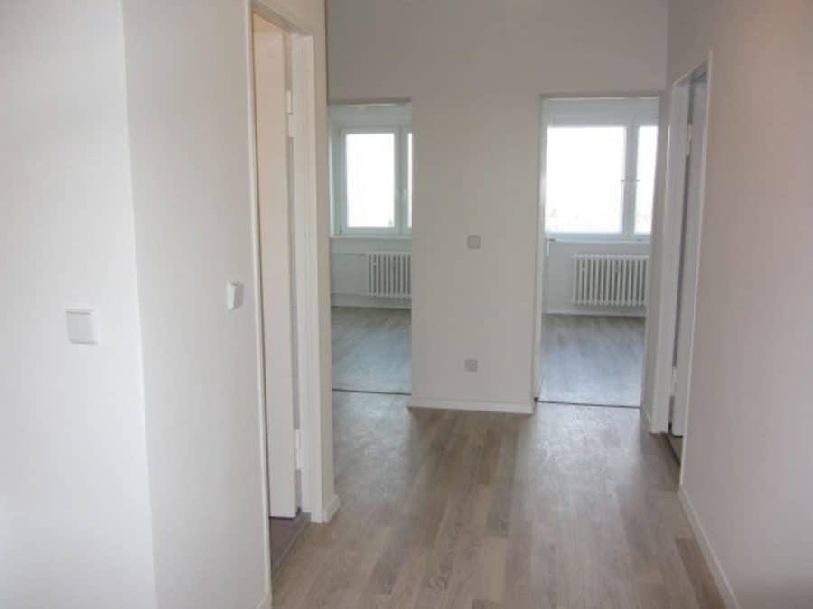Wie neu - komplett instandgesetzte 4-Zimmer-Wohnung im grünen Berlin-Waidmannslust! - Eingangsbereich