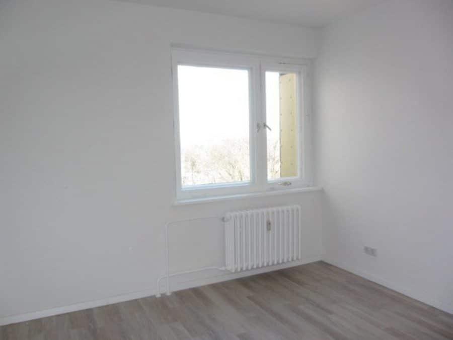 Wie neu - komplett instandgesetzte 4-Zimmer-Wohnung im grünen Berlin-Waidmannslust! - Zimmer 1