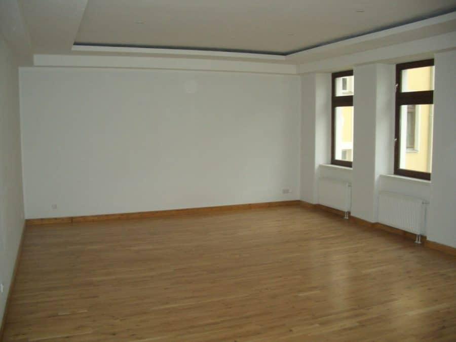 Lofts in Spandau?! Einfach klasse! Zu beachten: separate Gas-Etagenheizung! - Blick ins Wohnzimmer