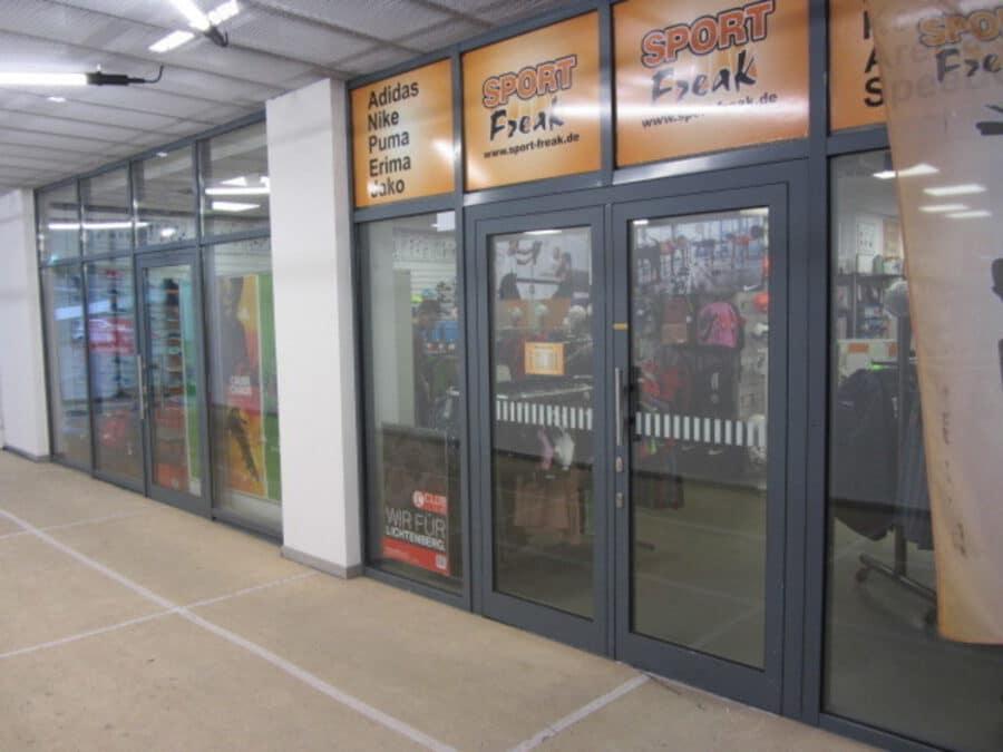Ladenfläche mit großer Schaufensterfläche direkt an Landsberger Allee provisionsfrei zu vermieten - Innenfront 2