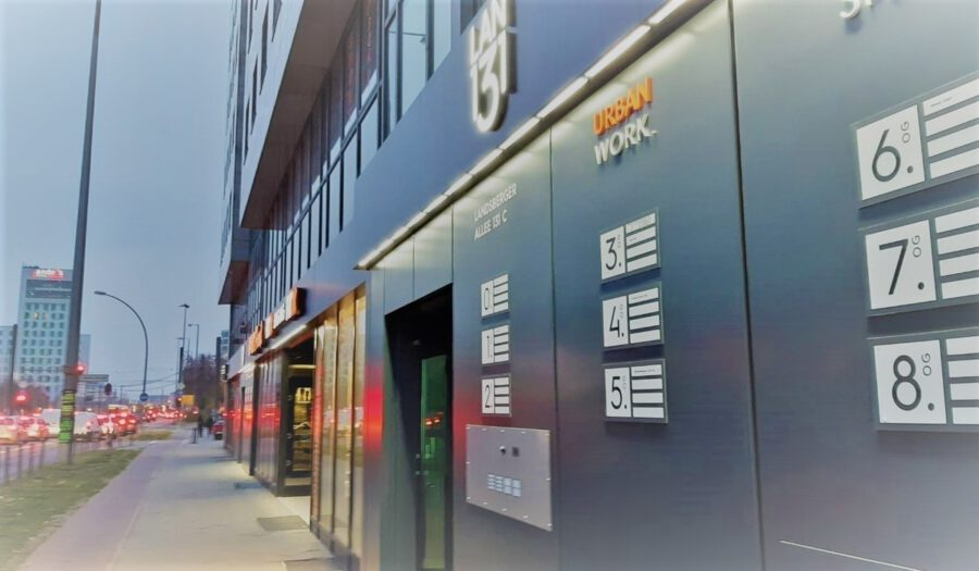 Zwei Gastronomieflächen zwischen 81 und 93 m² in attraktiver Lage der Landsberger Allee zu vermieten - Seiteneingang