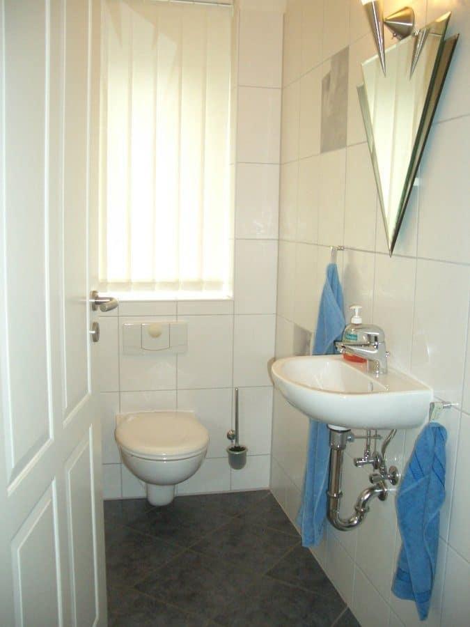 Niedrigenergiehaus in sehr gepflegtem Zustand in grüner Ruhiglage von Falkensee zu verkaufen! - Gäste-WC