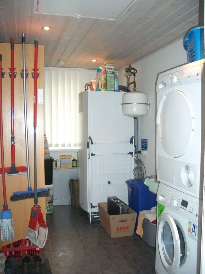 Niedrigenergiehaus in sehr gepflegtem Zustand in grüner Ruhiglage von Falkensee zu verkaufen! - Hauswirtschaftsraum