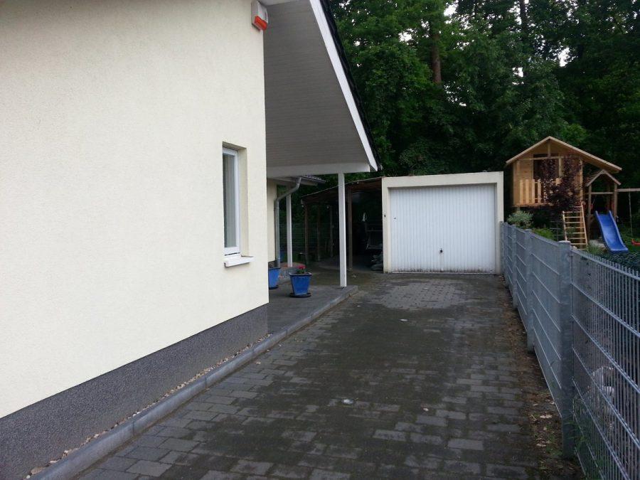 Niedrigenergiehaus in sehr gepflegtem Zustand in grüner Ruhiglage von Falkensee zu verkaufen! - Garage