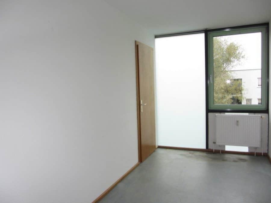 Am Stadtrand Berlins in Karow: 4-Zimmer-Maisonette-Wohnung mit Wintergarten in ruhiger Seitenstraße - Kinderzimmer 2