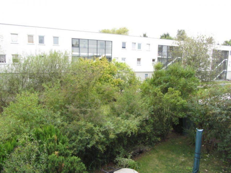 Am Stadtrand Berlins in Karow: 4-Zimmer-Maisonette-Wohnung mit Wintergarten in ruhiger Seitenstraße - Ansicht 2