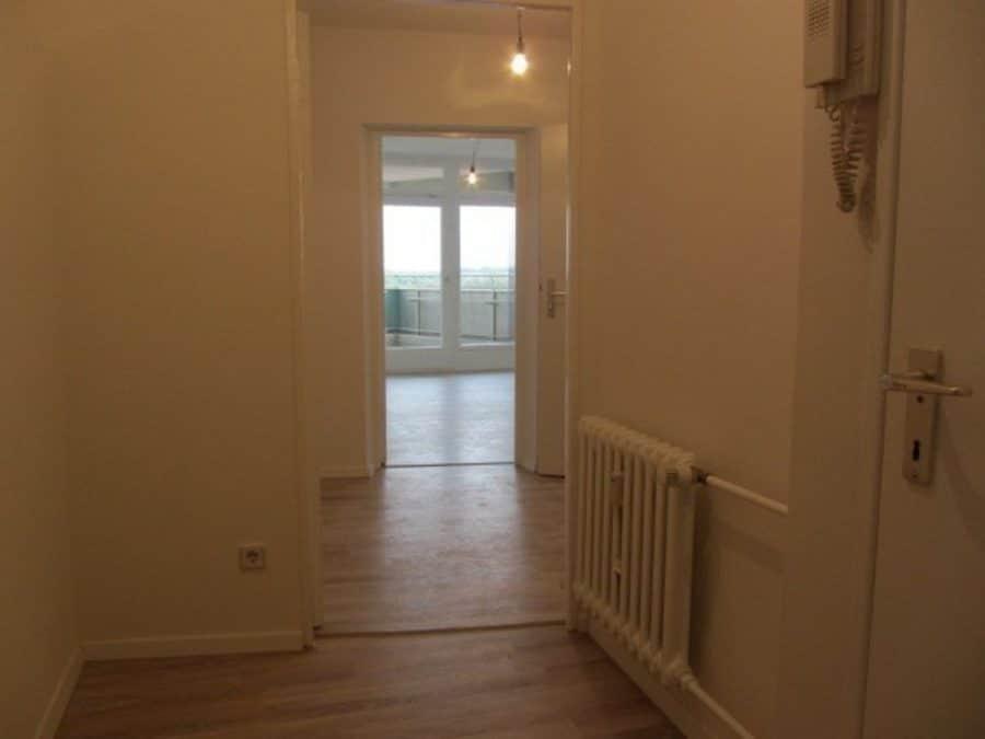 Komplett renovierte 1-Zimmer-Wohnung im grünen Berlin-Reinickendorf (Waidmannslust) zu vermieten! - Flur