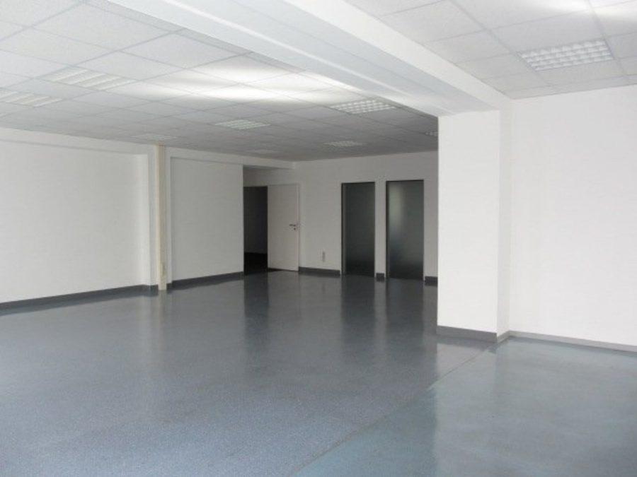 Sommeraktion: Jetzt mieten und ein Jahr die halbe Miete sparen! Eingerichtete und gepflegte Büroflächen in Berlin-Treptow-Köpenick - provisionsfrei! - Raum 6 - vorne links