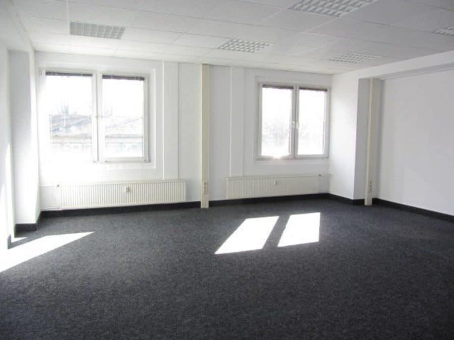 Sommeraktion: Jetzt mieten und ein Jahr die halbe Miete sparen! Eingerichtete und gepflegte Büroflächen in Berlin-Treptow-Köpenick - provisionsfrei! - Raum 5 - hinten rechts