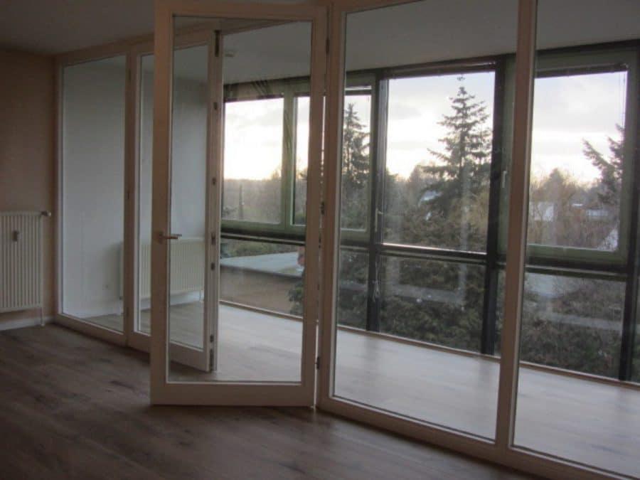 Helle 2-Zimmer-Wohnung mit Wintergarten in ruhiger Seitenstraße von Berlin-Karow zu vermieten! - Wintergartenzugang vom Wohnzimmer