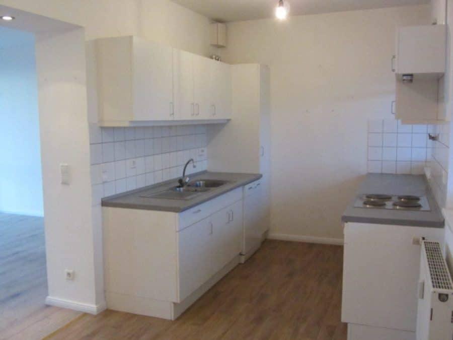 Helle 2-Zimmer-Wohnung mit Wintergarten in ruhiger Seitenstraße von Berlin-Karow zu vermieten! - Küche