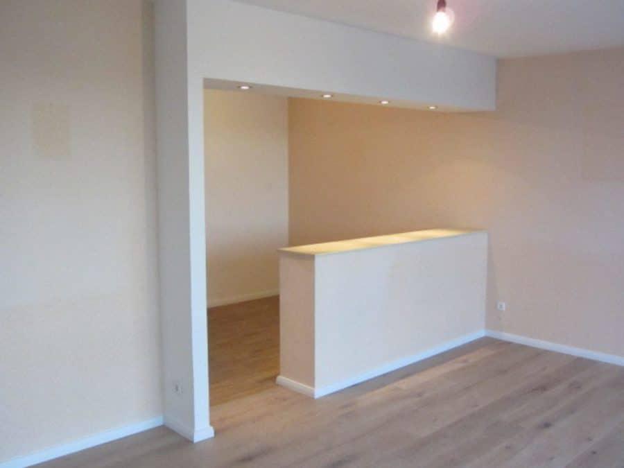 Helle 2-Zimmer-Wohnung mit Wintergarten in ruhiger Seitenstraße von Berlin-Karow zu vermieten! - Wohnzimmer zur Küche