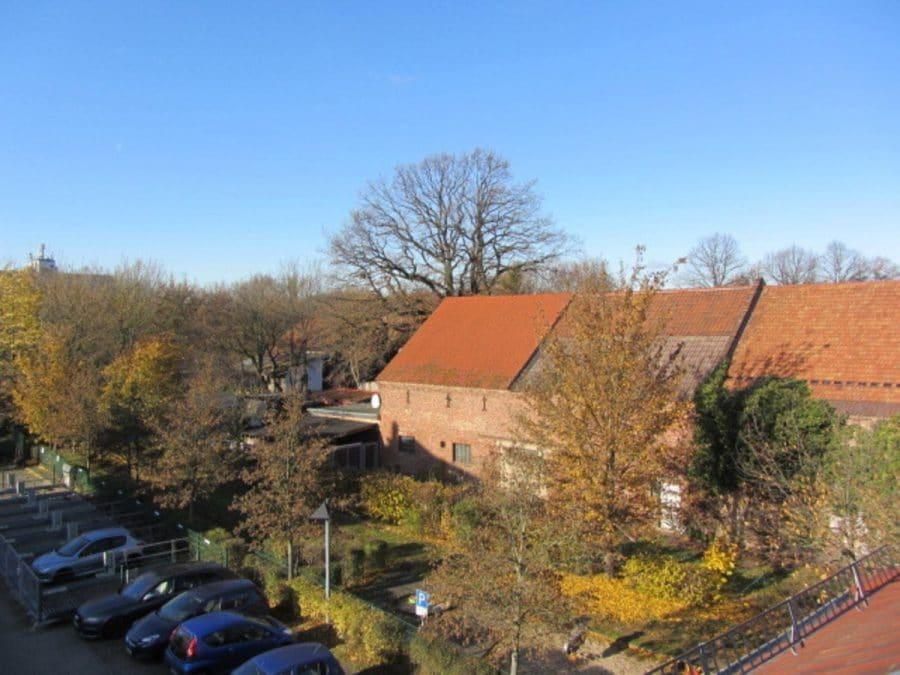 Tolle 2-Zimmer-Wohnung in Berlin-Blankenburg (Pankow) - Balkon-Blick