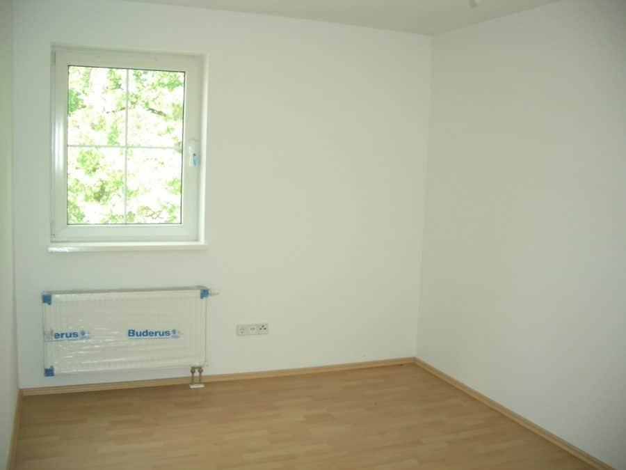 Achtung Handwerker! Helle Doppelhaushälfte mit Ausbaubedarf in Brieselang! - Schlafen2