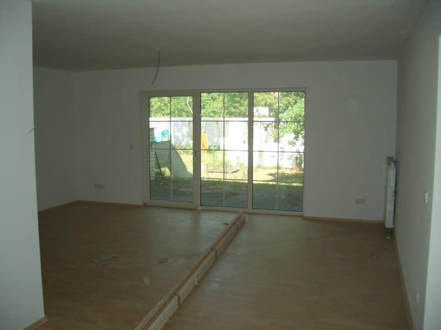 Achtung Handwerker! Helle Doppelhaushälfte mit Ausbaubedarf in Brieselang! - Wohnzimmer