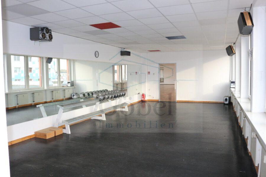 Tanzschule, Gemeinschaftspraxis, o. ä.? Großzügige Gewerbefläche in der Storchengalerie zu vermieten - Raum 4