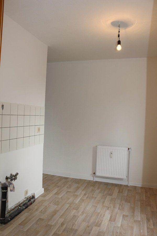 Fast wie im Reihenhaus: 4-Zimmer-Maisonette-Wohnung mit Wintergarten in ruhiger Seitenstraße von Berlin-Karow zu vermieten! - Küche1