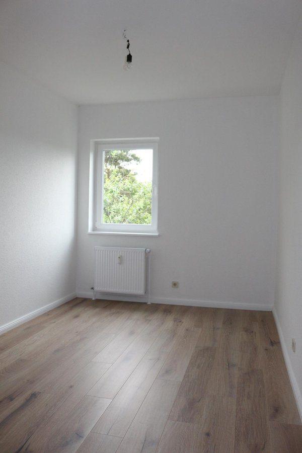 Fast wie im Reihenhaus: 4-Zimmer-Maisonette-Wohnung mit Wintergarten in ruhiger Seitenstraße von Berlin-Karow zu vermieten! - Schlafzimmer