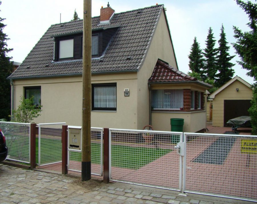 Gepflegtes Einfamilienhaus in ruhiger Seitenstraße in Berlin-Neukölln (Rudow) zu verkaufen. - Ansicht